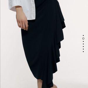 Zara ruffled midi skirt stretch bloggers favorite